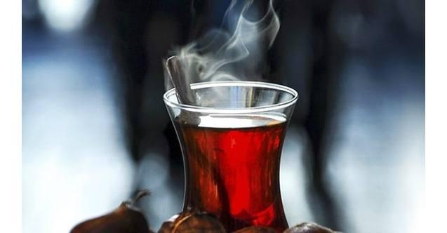 Photo of Sıcak çay yemek borusu kanseri yapıyor!