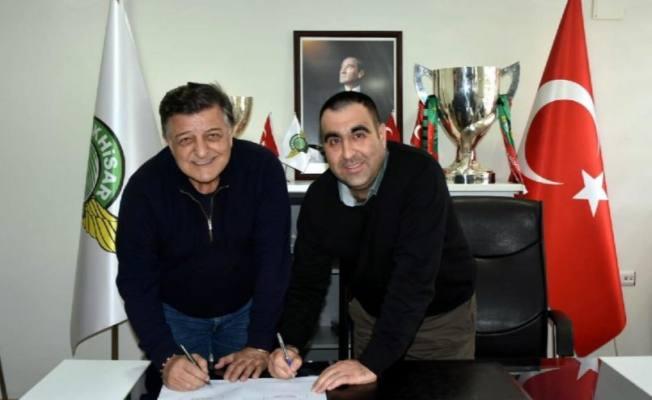 Photo of Yılmaz Vural Akhisarspor ile anlaşma imzaladı!