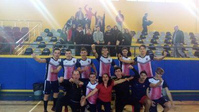 Photo of İzmir'in 2020 hentbol şampiyonluk kupasını Yeni Sistemli Koleji kazandı!
