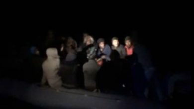 Photo of İzmir'in Dikili, Urla ve Çeşme ilçelerinde 170 kaçak göçmen yakalandı! Tutuklular var