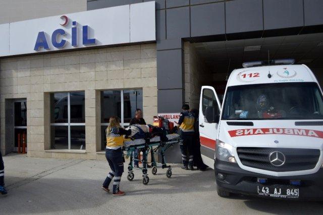 Photo of Kütahya'da direksiyon başında kalp krizi geçirerek 3 araca çarptı!
